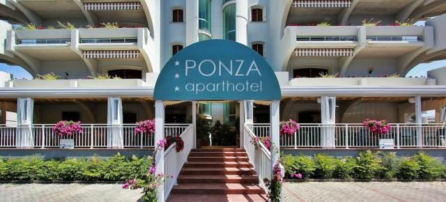 Aparthotel Ponza a Lignano Sabbiadoro, seleziona personale per la stagione estiva da maggio a settembre